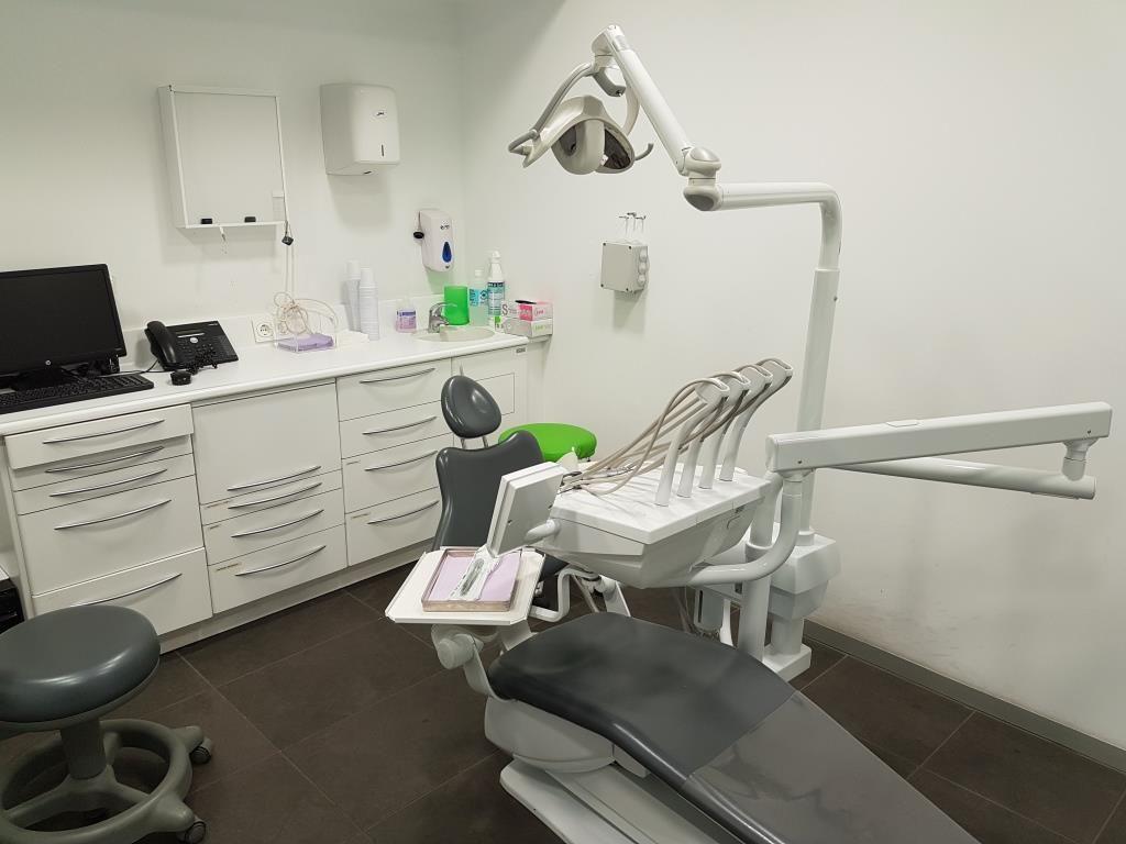meri dental 1